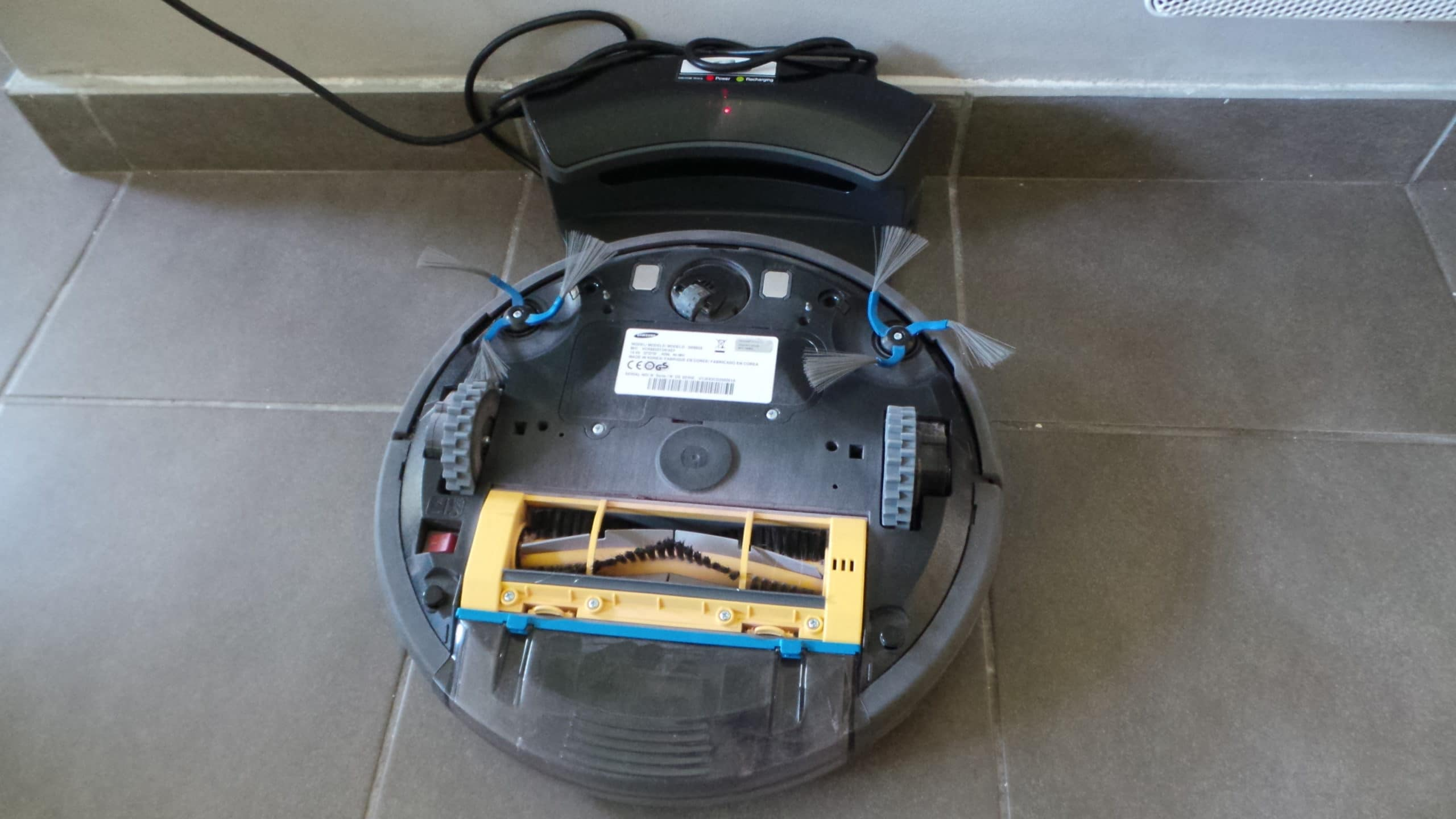 test du robot aspirateur samsung sr8825 xy mag. Black Bedroom Furniture Sets. Home Design Ideas